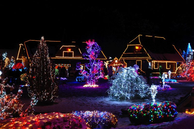 Christmas lights near Toronto